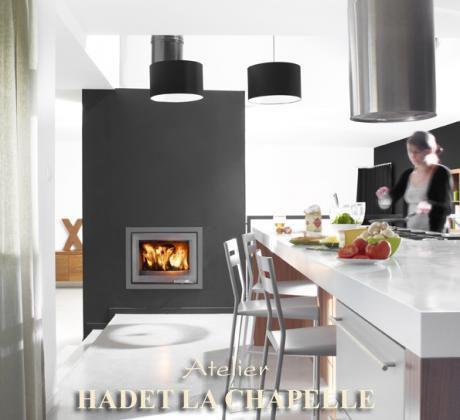 chemin es foyer ferm en pierre de taille avec insert. Black Bedroom Furniture Sets. Home Design Ideas